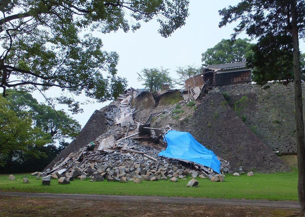 多くの現存櫓や石垣は倒壊!その姿を目に焼き付ける