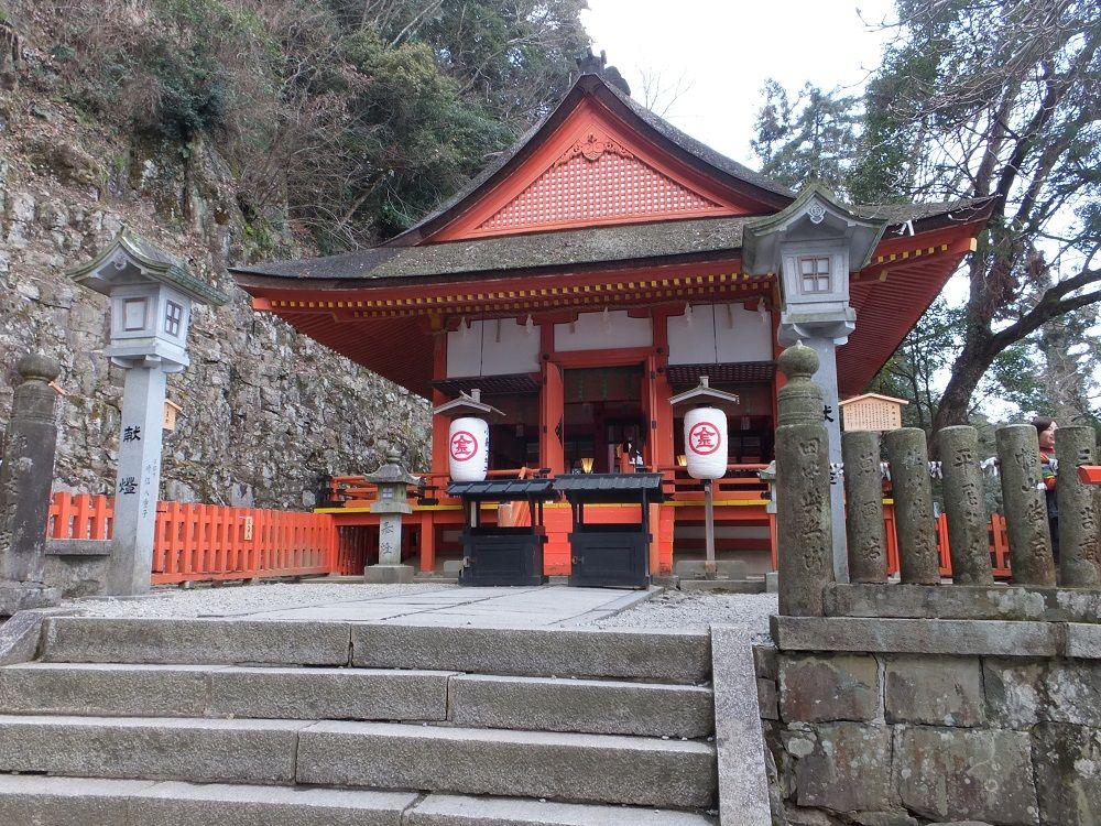 「こんぴらさん」を全国に広めた僧を祀る奥社「厳魂神社」