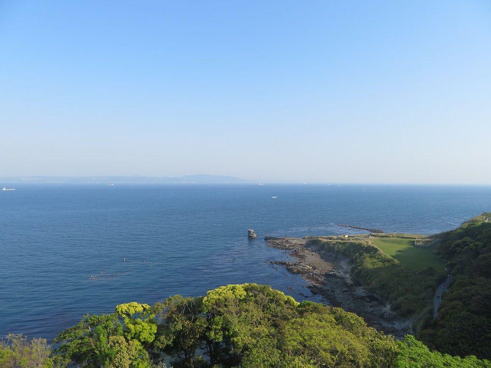 白亜が美麗!日本初の洋式灯台・観音埼灯台