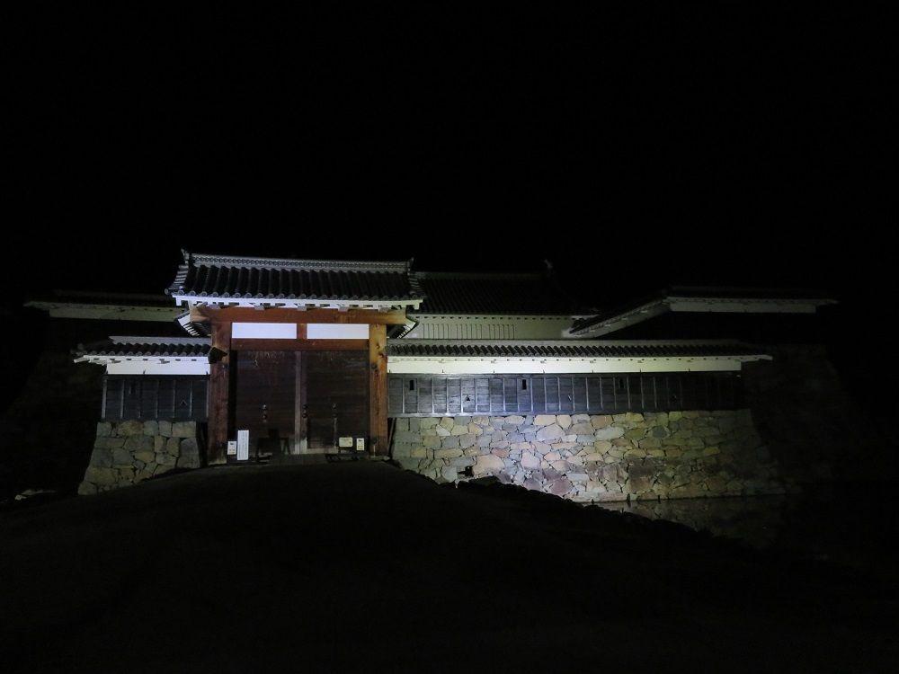 滞在時間を延長!国宝・松本城ライトアップ