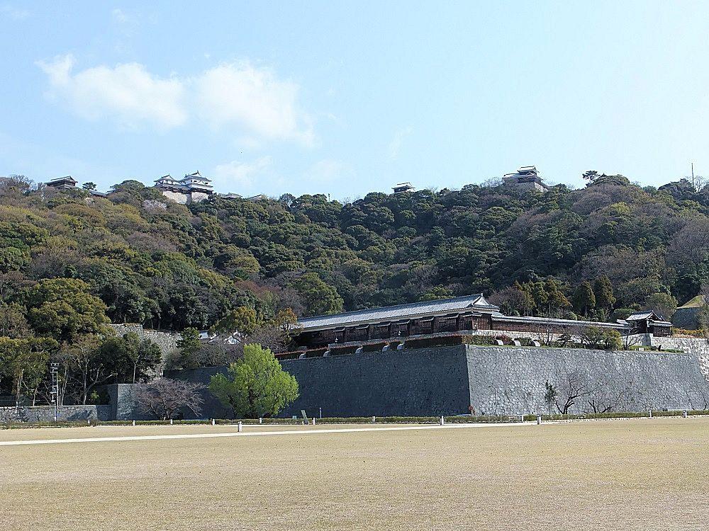 古城の風格が凄い!愛媛「松山城」埋もれた魅力を発見