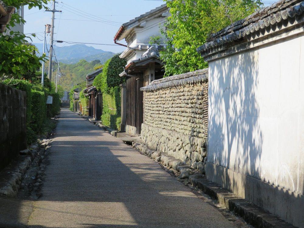 土佐漆喰に生垣が良い!土居廓中の町並みを散策してみよう