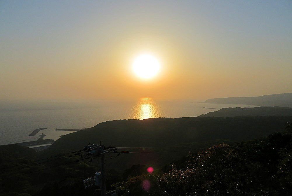 恋人の聖地巡り!朝日も夕日も観れる絶景