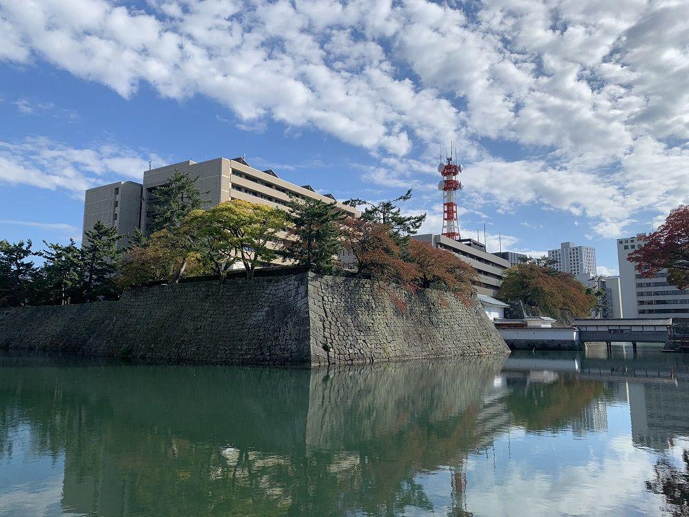 まるで城塞都市!福井城は世にも珍しい県庁敷地内にあるお城