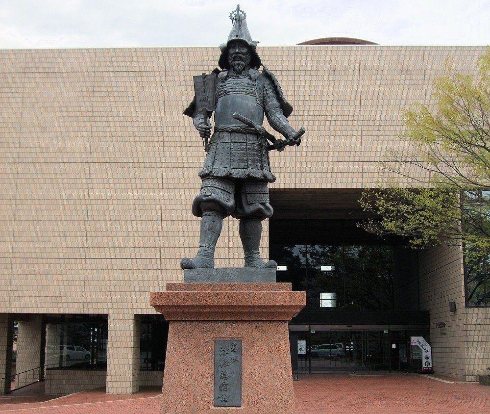 弘前城って、どんなお城?