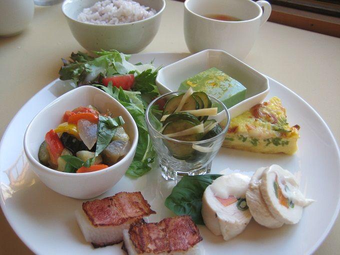 人気の野菜プレート「おうちごはん」