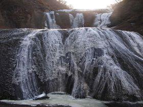 大迫力!!四季折々に変化する日本三名瀑「袋田の滝」