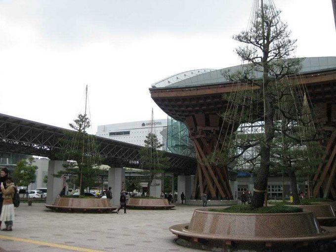 金沢市内の観光にはお得なバスを利用!!