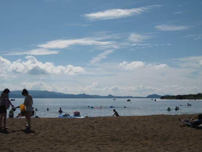 オススメ観光その5★猪苗代湖畔でのんびり湖水浴