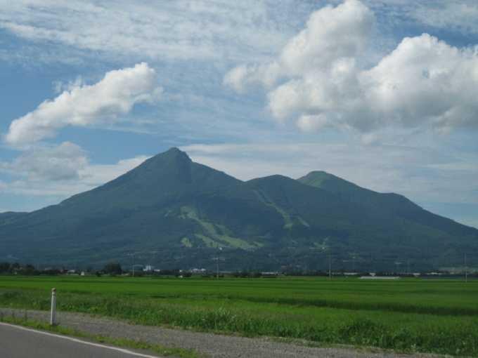オススメ観光その1★磐梯山を眺めながら湖畔をすいすいサイクリング!!