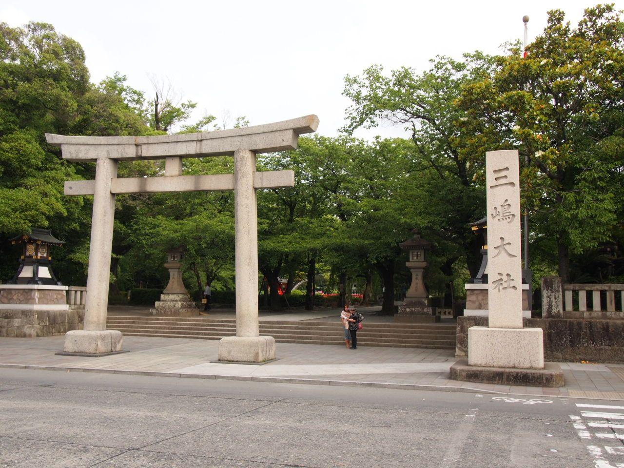 三島市のパワスポ「三嶋大社」と福を招く和菓子、福太郎餅