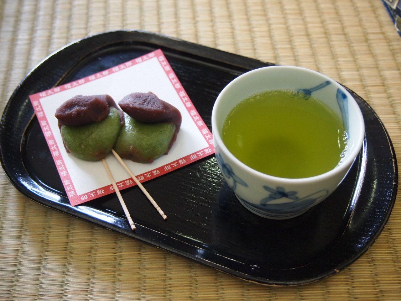 お土産は・・・福を招く縁起餅の「福太郎餅」で決まり!