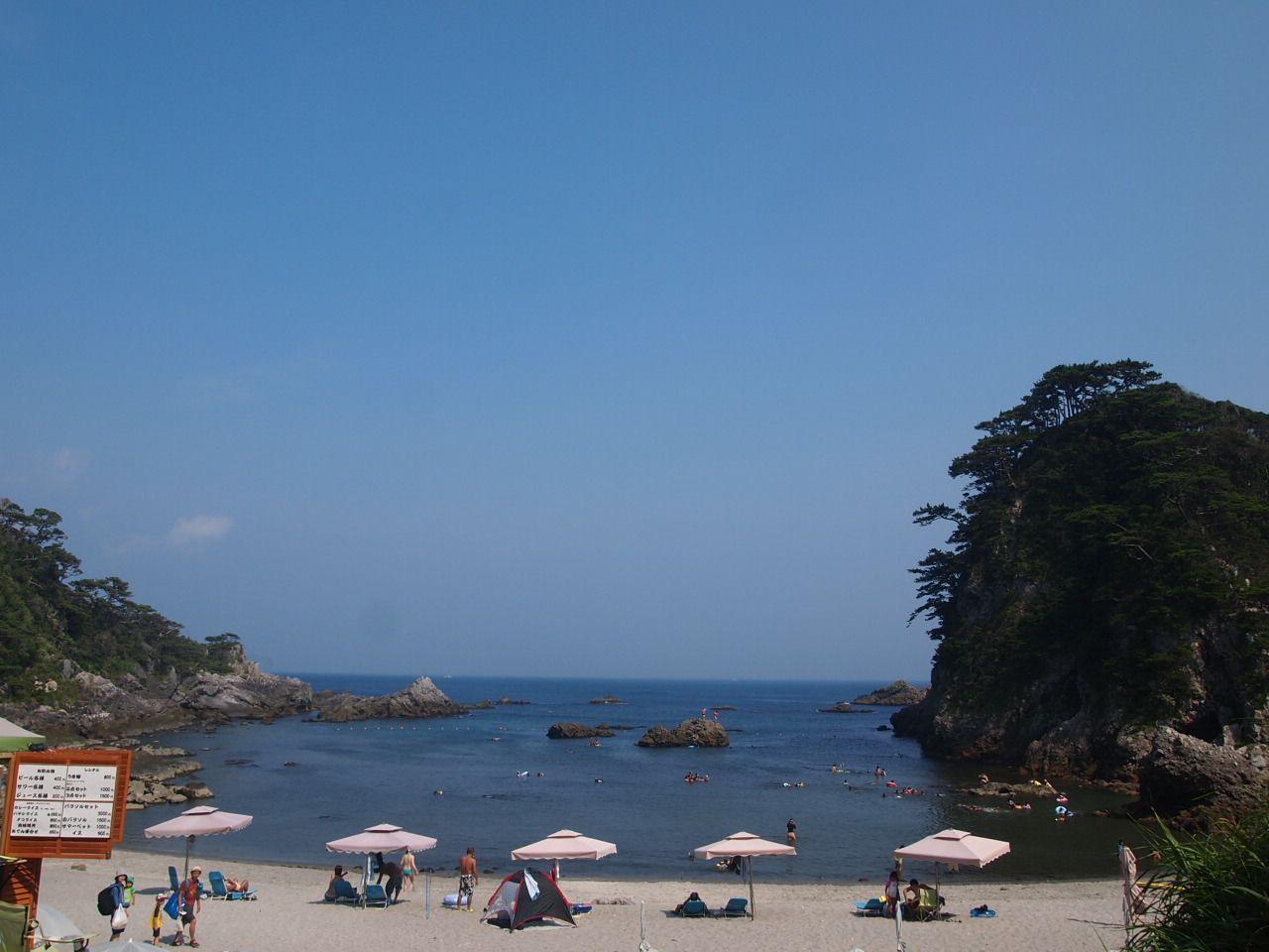 ファミリーにおすすめ!!石白川海水浴場の穏やかな海で磯遊び