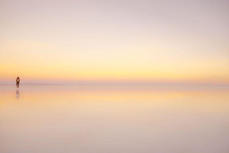 一度は行ってみたい!雨季に見せる、鏡張りのウユニ塩湖!
