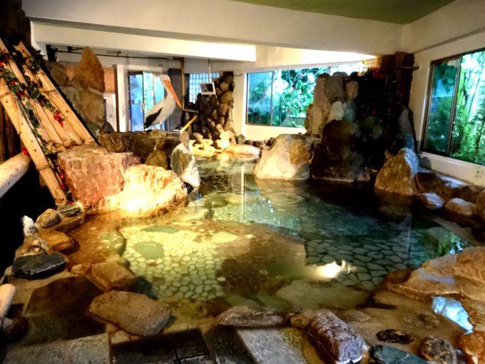 大きな洞窟風呂