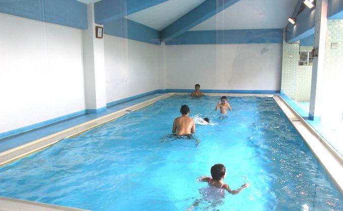 夏季は屋内プールもオープン!