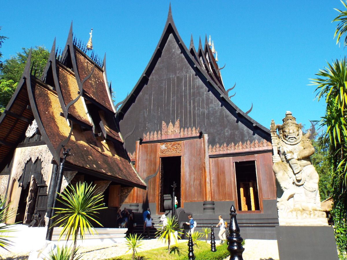 タイ北部の町チェンライにある「バーン・ダム」。現代アジア美術の巨匠が作ったこのミュージアムが何か凄い