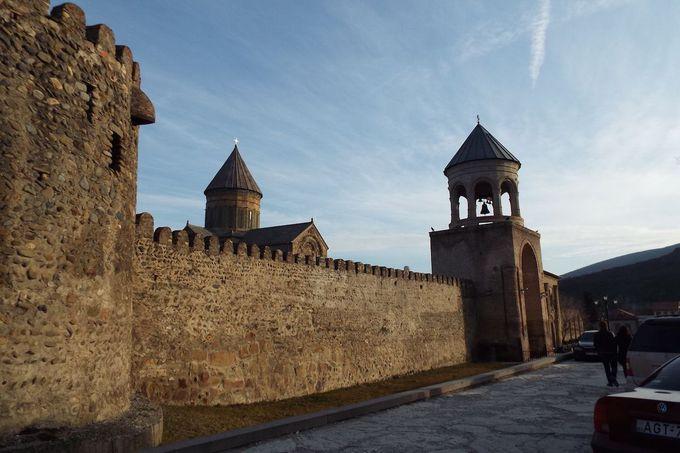 古都の町中に佇む2つの世界遺産