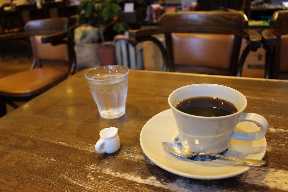 こだわりを感じさせる、多くの種類のコーヒー豆