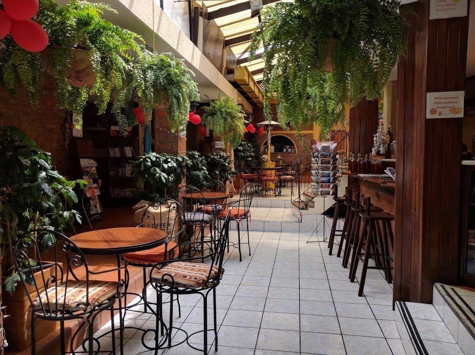 2、センスの良さを感じさせるお洒落な「La Cafetera」