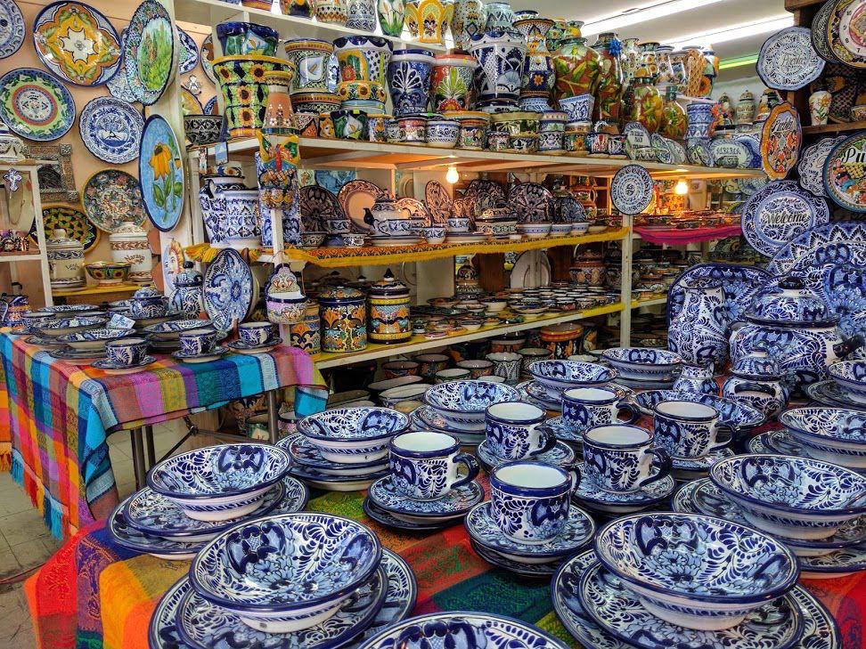 3、400年もの歴史を持つ陶器「タラベラ焼き」