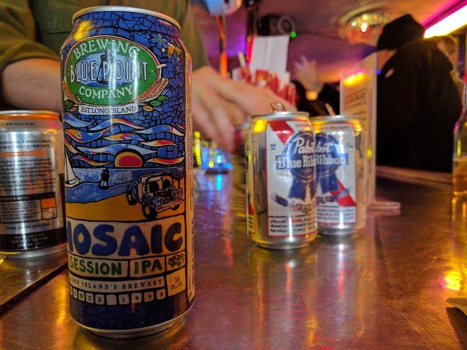 NYの地ビールが数多く取り揃えられている