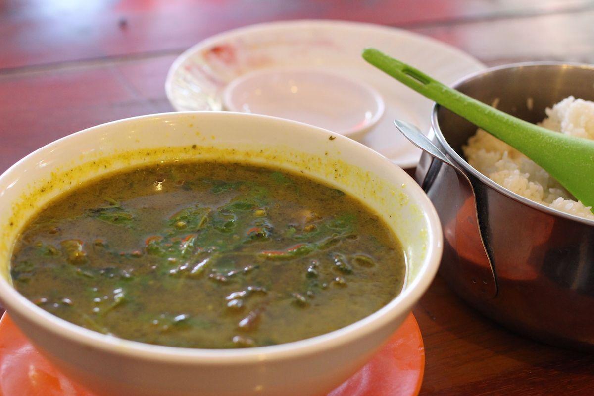 ご飯に合うさわやかスープ「ソムロームチュークルウン」