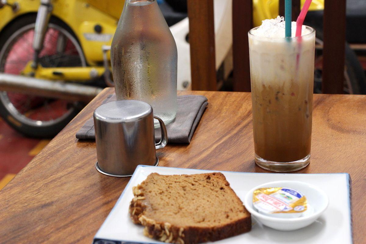 5、町のはずれのおしゃれカフェ「Cafe Espresso Kampot」