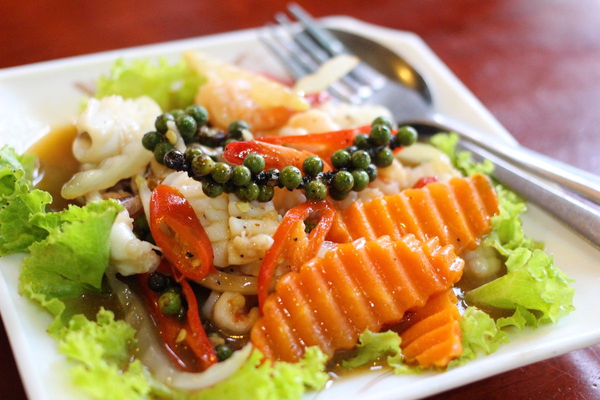 ドリアンに生胡椒!カンボジアの穴場的な観光地「カンポット」の魅力とは?