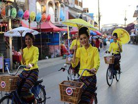 年に一度チェンマイ近郊で開催!カラフルな「ボーサン傘祭り」