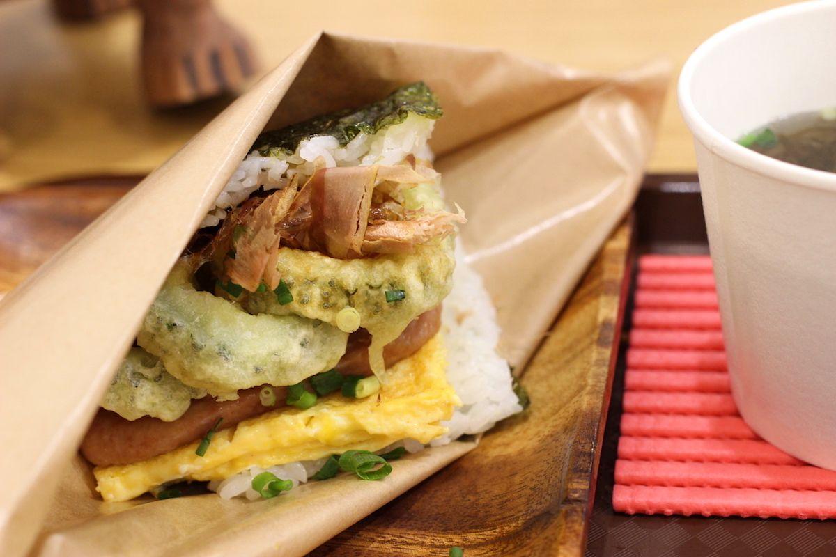 沖縄食材がたっぷりなおにぎり&サイドメニュー