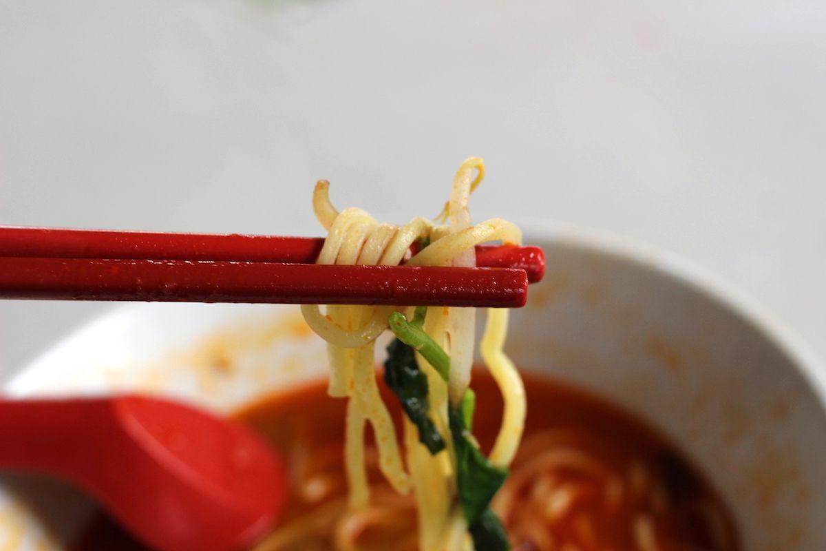 3.エビ好きな人におすすめ「福建麺(ホッケンミー)」