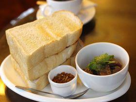 旧王宮にあるバンコク最古の喫茶店「カフェ・ド・ノラシン」