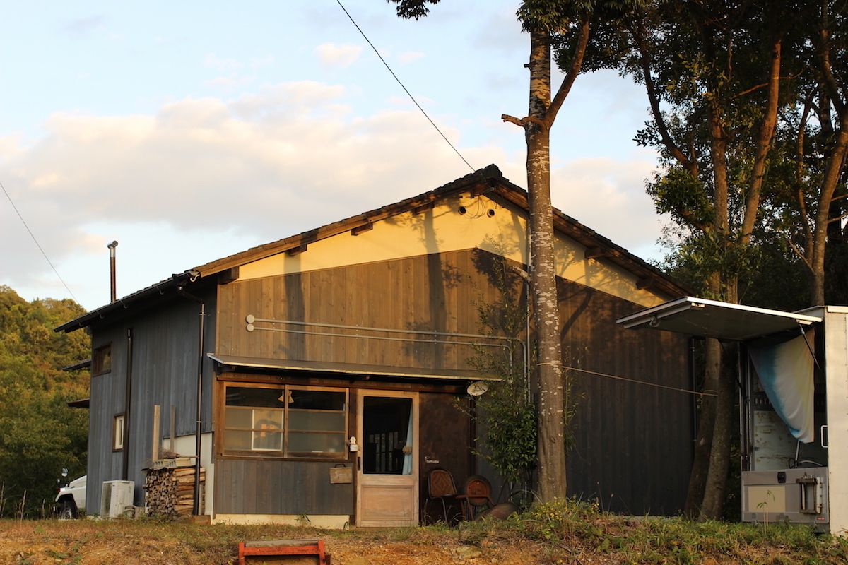 2. 料理の専門家が営む湖畔のお店「tumugu」