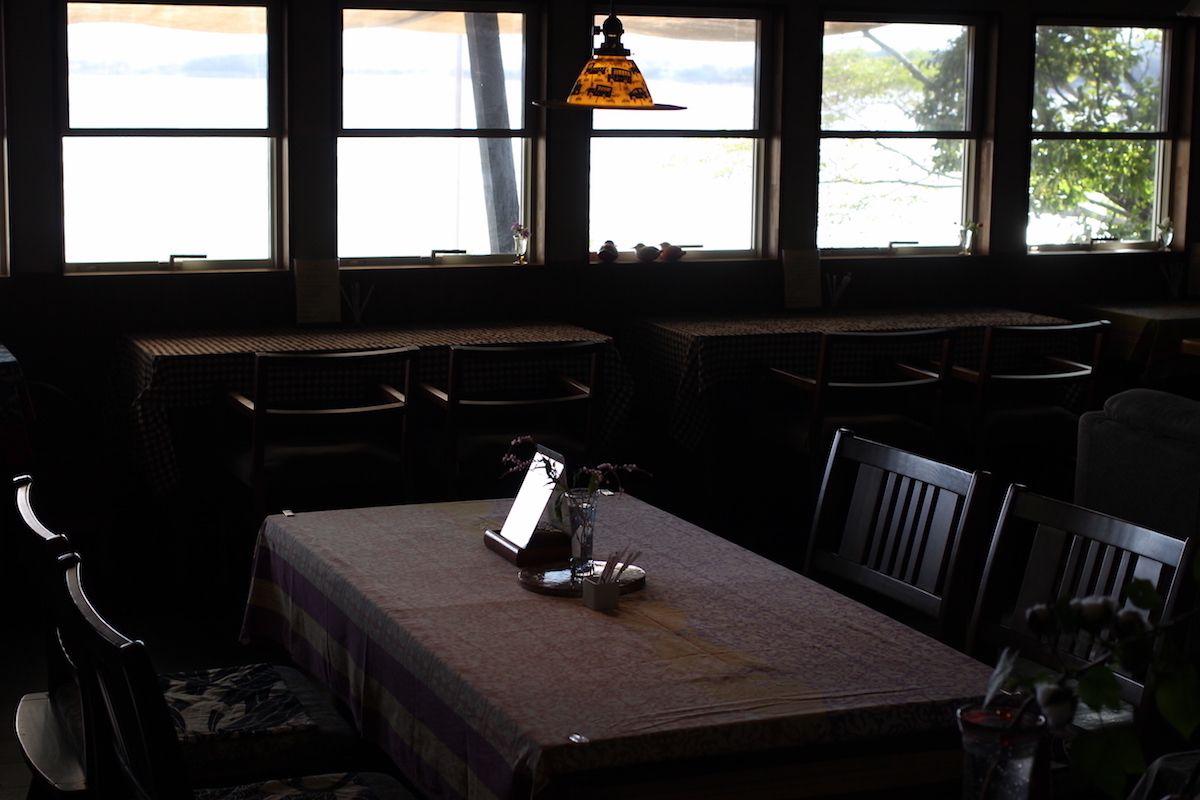 3. 海のみえる静かな古民家カフェ「cafe de hana」