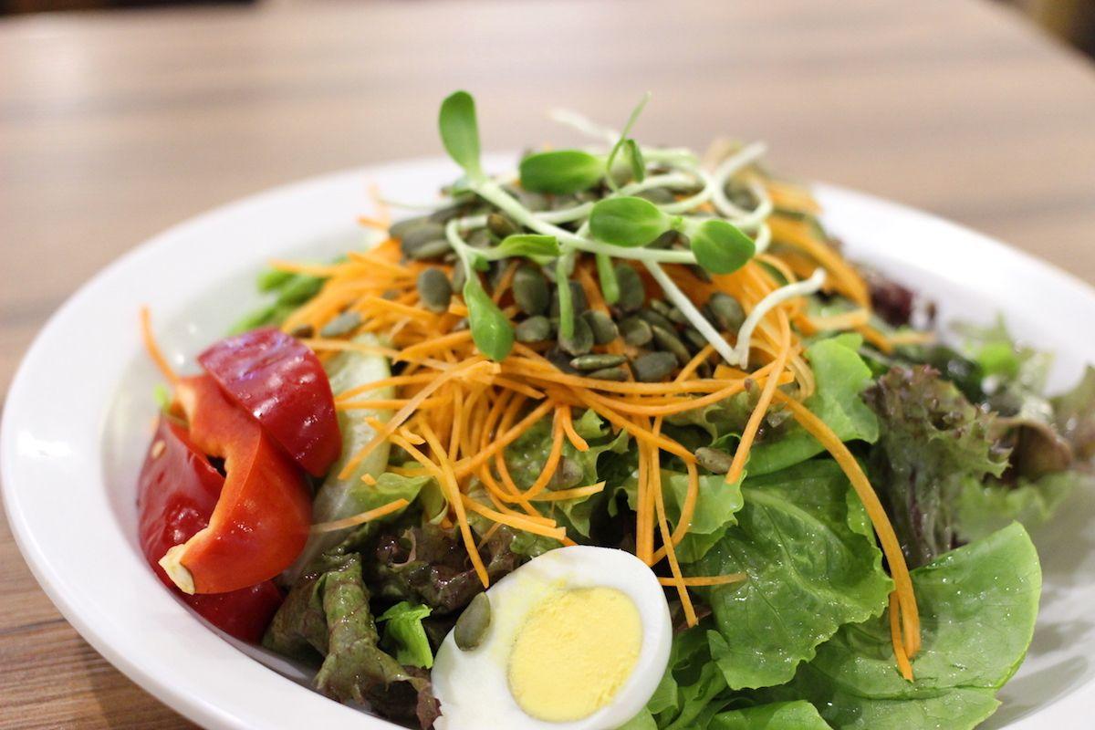 タイ・チェンマイで美味しい野菜なら「サラダコンセプト」