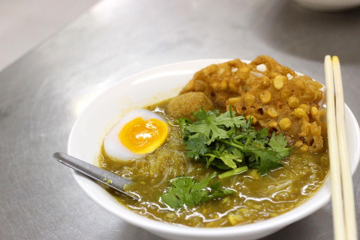 1. ミャンマーの国民食「モヒンガー」