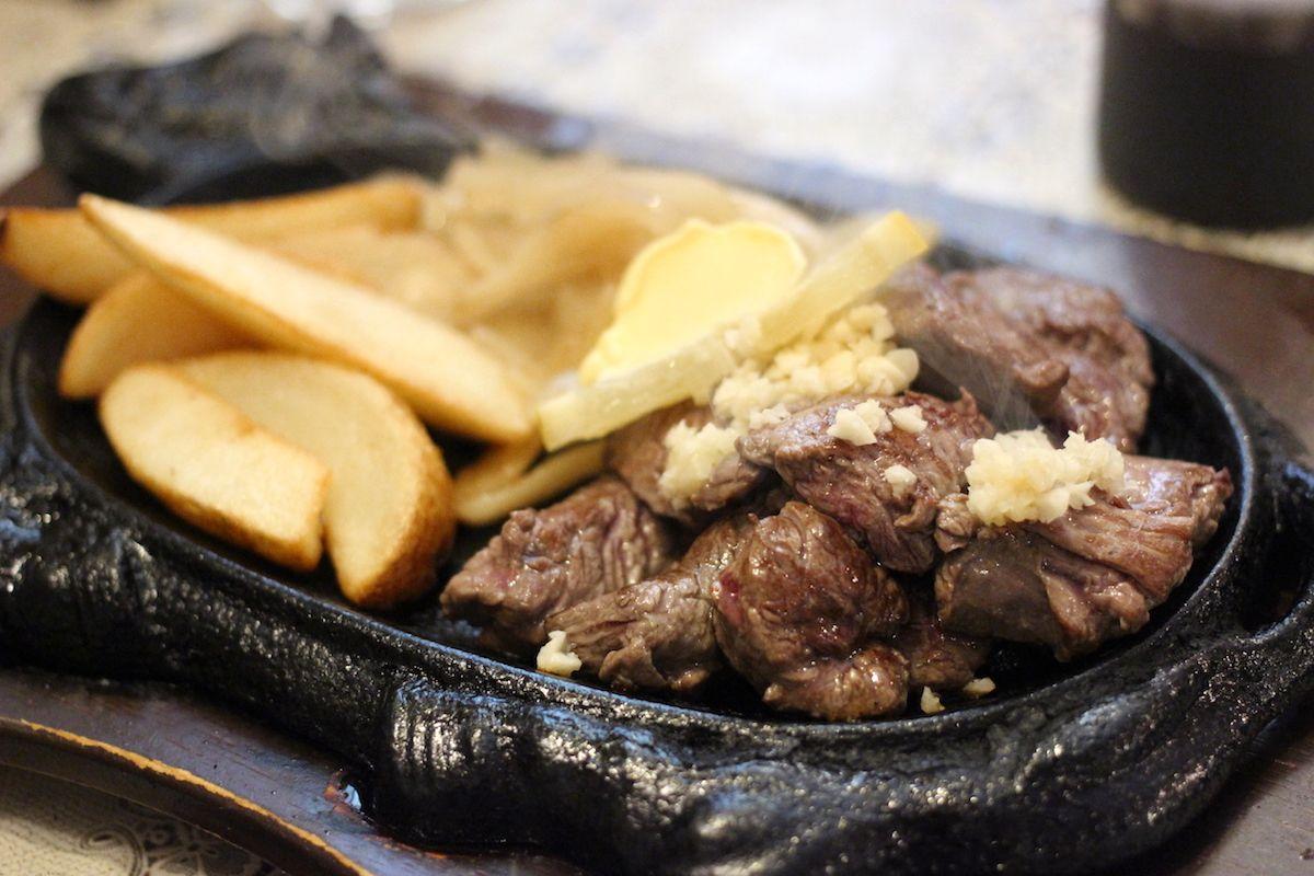 沖縄名物「テンダーロインステーキ」もおすすめ