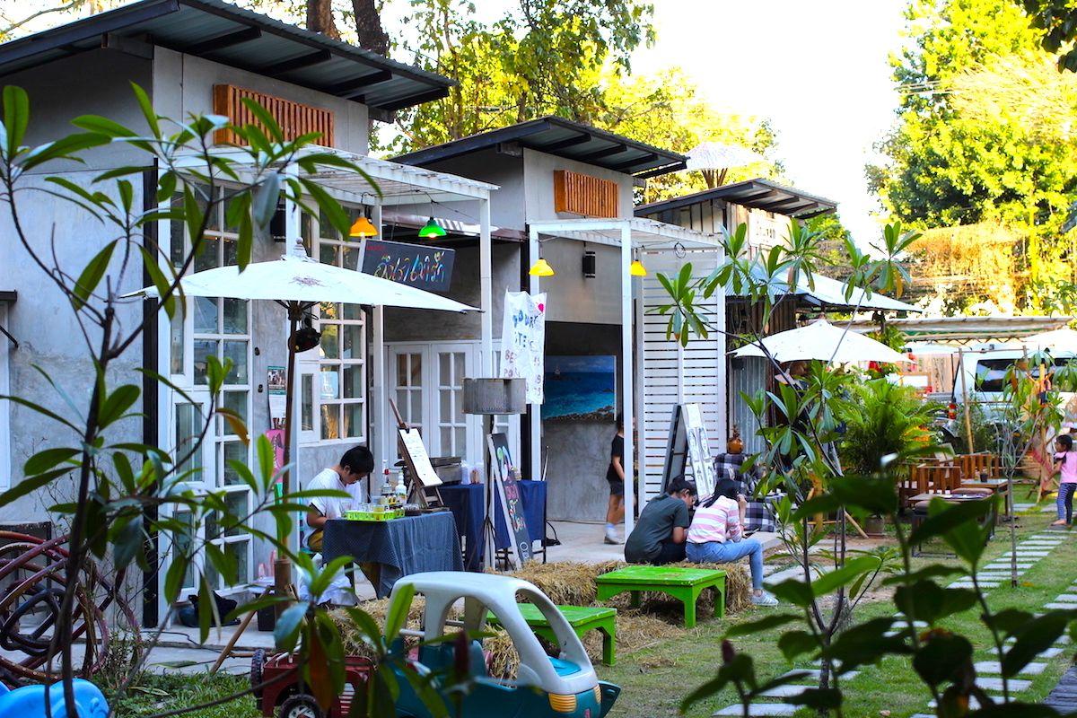 他のアーティスト村やカフェ巡りも楽しめる