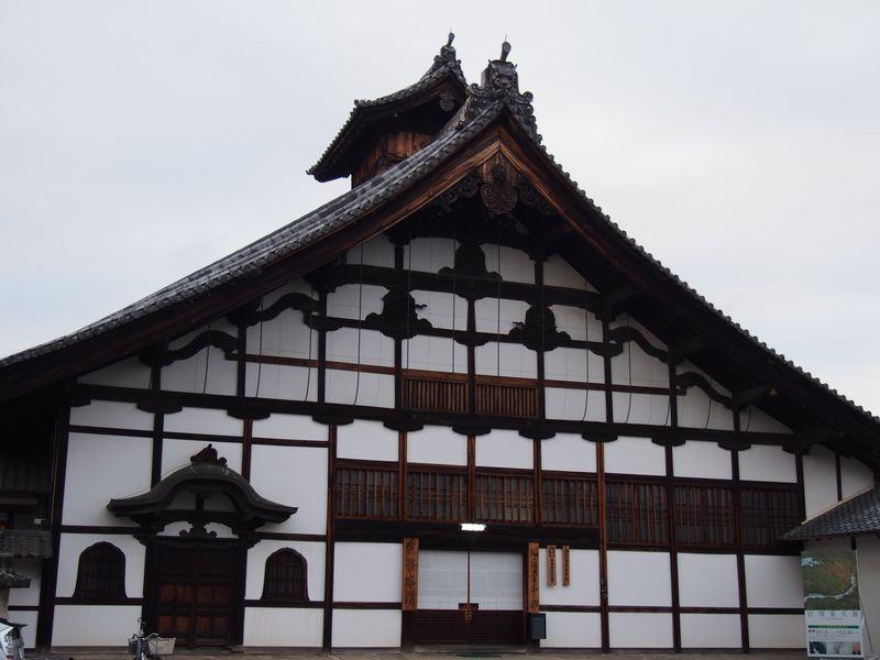 金閣寺、銀閣寺とつながりがある 驚きいっぱい京都「相国寺」