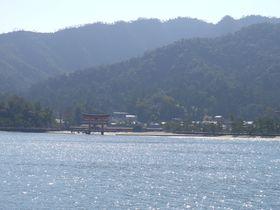 神様がいる島! 厳島神社のほかにも見どころ満載の広島県・宮島へ