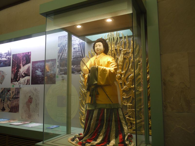 飛鳥・藤原地城の遺跡が古代の謎を明かす!奈良「藤原宮跡資料室」