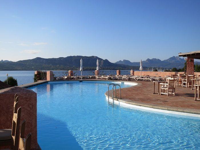 180度のパノラマ!海を見渡す絶好のロケーション「ホテル ルレ ヴィラ デル ゴルフォ & スパ」