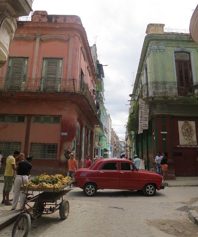 スペイン統治時代の美しい街並「オールド・ハバナ」