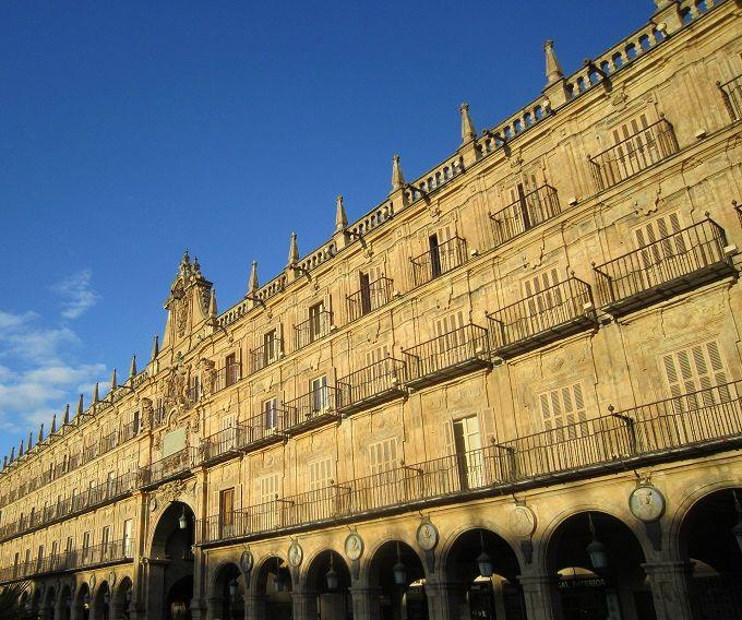 スペインで一番美しい広場「マヨール広場」