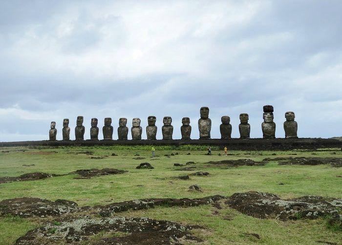 太平洋に浮かぶ孤島「イースター島」へ!モアイに会いに行こう