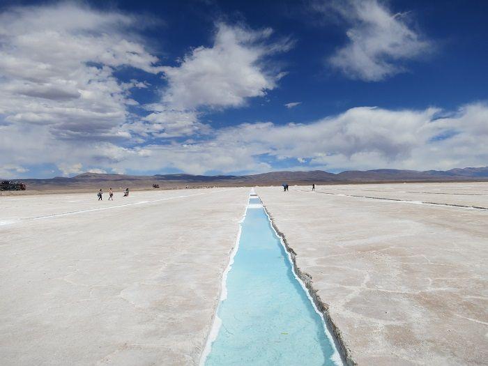 アンデスの大塩湖「サリナスグランデス」