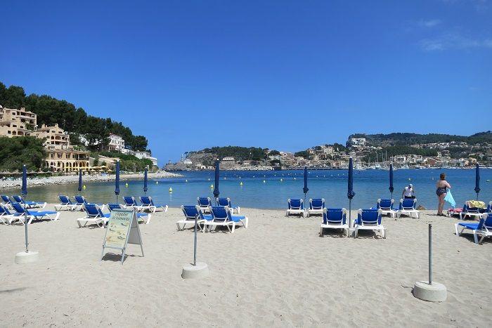 穏やかな海と白砂のビーチに面したリゾート地「ポルト・デ・ソイェル」