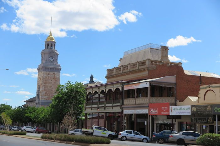 ゴールドラッシュ時代の街並みが残る「カルグーリー」の町