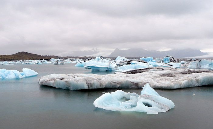 滝、氷河、ランゴスティン!観光スポットが満載のアイスランド南部